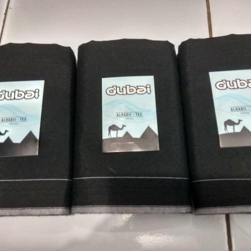 Foto Produk Sarung tenun dubai hitam polos polos - Hitam dari sarung tenun murah