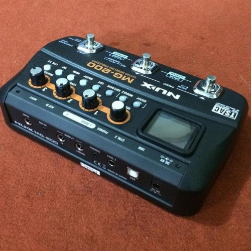 Foto Produk Billy Musik - Efek Gitar Nux Mg-200 Multi-Effects Processor dari tokogading