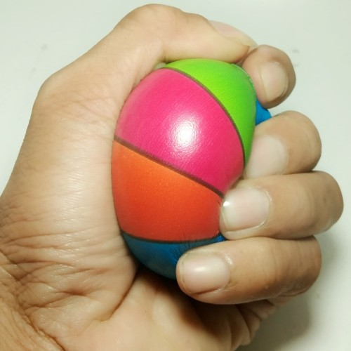 Foto Produk Bola busa spon pelangi empuk seperti squishy stress ball mainan anak dari toko mainan toys store