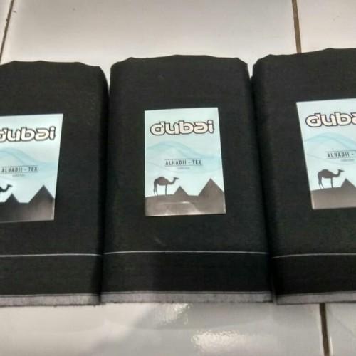 Foto Produk Sarung dubai tenun hitam dari sarung tenun murah