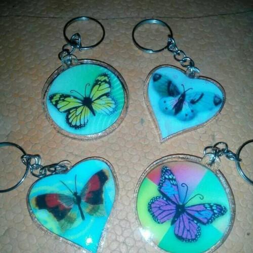 Foto Produk souvenir pernikahan gantungan kunci kupu kupu murah dari reyhan souvenir