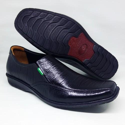Foto Produk Sepatu pria kantoran pantofel fantofel fantovel kulit asli sol flat - Hitam, 39 dari Toko Pelangi Sda