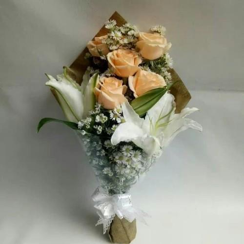 Foto Produk Buket bunga mawar mix lili kasablanka | bouquet | fresh flower dari Freshcut Flower