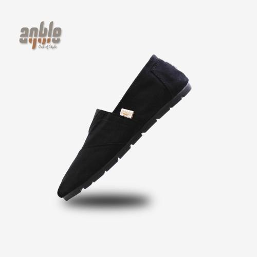 Foto Produk Sepatu Slip on Sepatu Santai Pria Wanita WK07 - Hitam, 40 dari debox