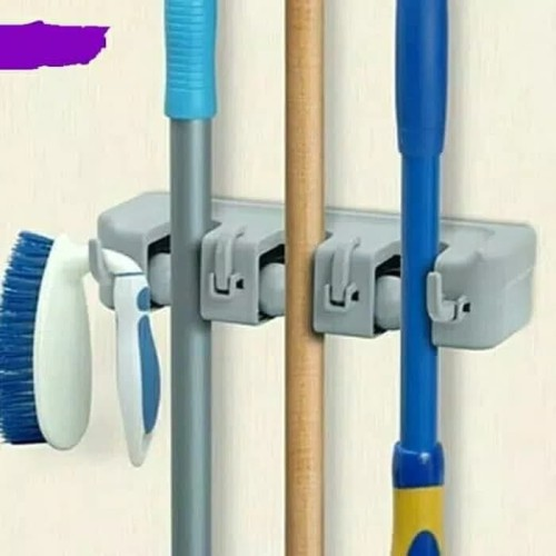 Foto Produk 3 Slot Gantungan Sapu Pel Dengan Hook 3 Slot Magic Mop Holder dari Belly Belly