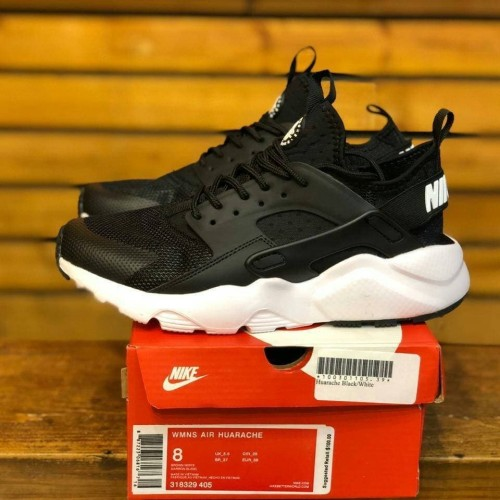 Sepatu Sneakers Nike Air Huarache Black White