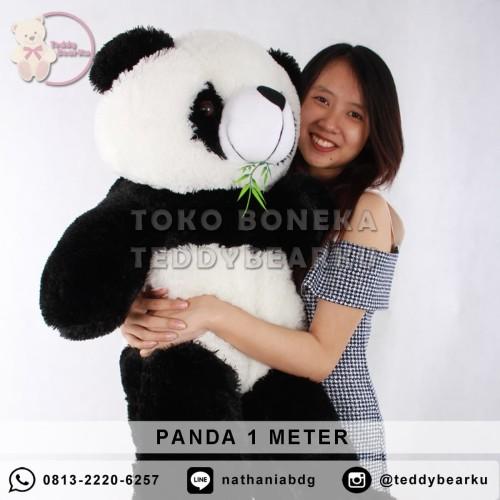 Foto Produk Boneka Panda Jumbo 1 Meter Hitam Putih Khas Bandung dari TeddyBearKu