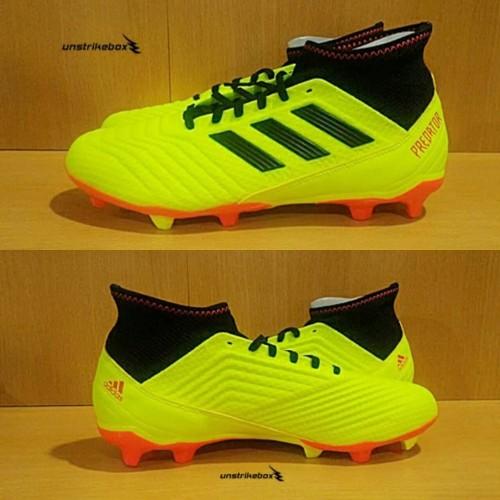 Foto Produk Adidas Predator 18.3 FG - Yellow. Sepatu Bola Top Selling BNIB Ori. dari Unstrikebox