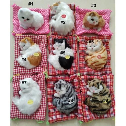 Foto Produk Boneka Kucing Pajangan Meja Tidur atau Duduk Bersuara Meow - 4 dari Aquarinz