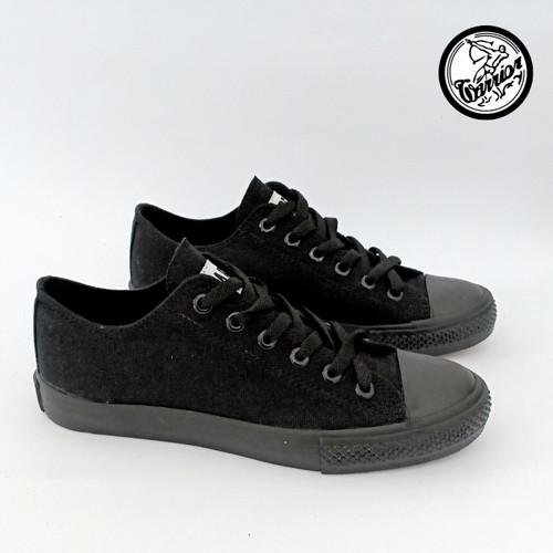 Foto Produk Sepatu Warrior Sparta LC All Black - Low Cut dari sepatu kodachi