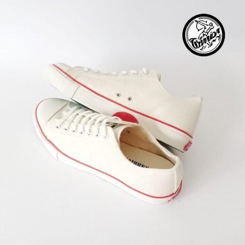Foto Produk Sepatu Warrior Classic LC Putih dari sepatu kodachi