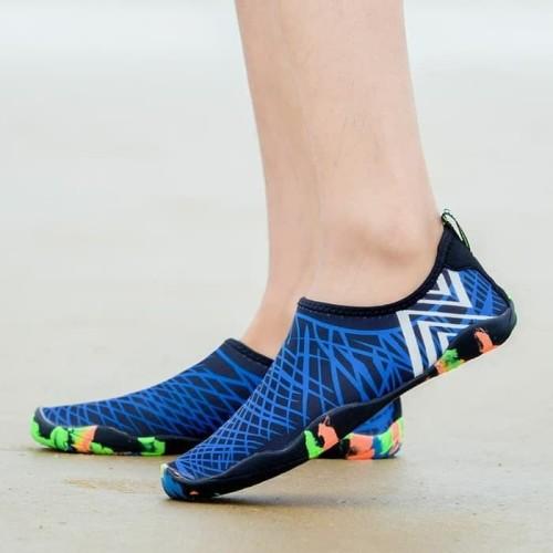 Foto Produk Sepatu Pantai / Diving / Snorkling / Aqua Shoes dari Yoi. store