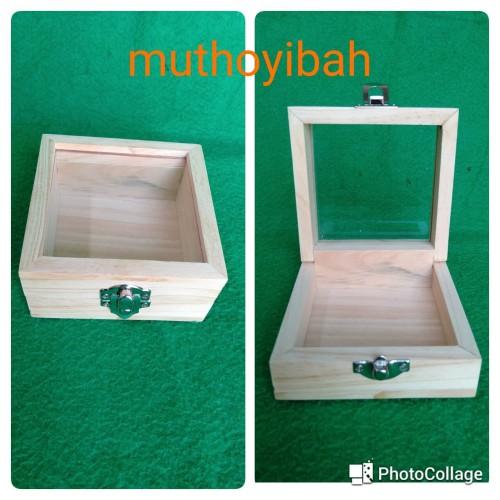 Foto Produk kotak kayu katolik 10x10x5cm dari Muthoyibah
