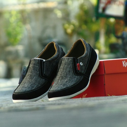Foto Produk Sepatu Pria Kerja Kickers Slip On Slop - Abu Tua - Tanpa Tali dari RINDU_ORDER