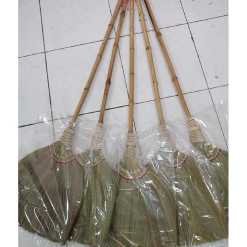 Foto Produk Sapu Lantai Jerami dari Bambu Cuing Asli dari Sabar Jaya - Pasar Lama