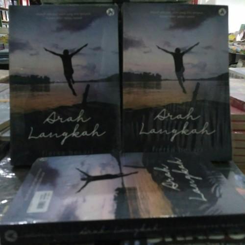 Foto Produk Buku Novel Arah Langkah By Fiersa Besari dari Bandung Book Shop