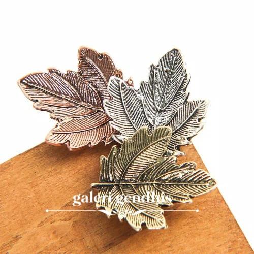 Foto Produk Bros Daun Maple - Bros 3 Daun - Brooch Pin Enamel Simple Import dari Gendhis_23