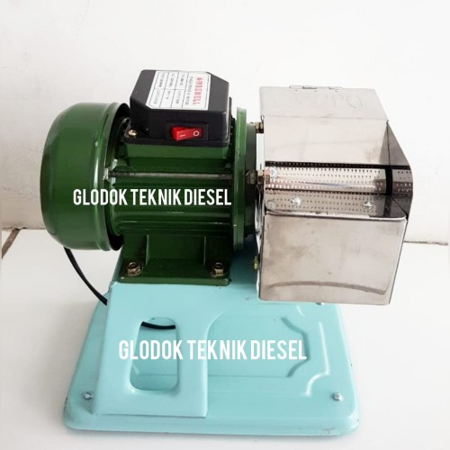 Foto Produk MESIN PARUT KELAPA / PARUTAN KELAPA MINI TANGGUH WATT 200 dari Glodok Diesel