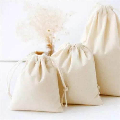 Foto Produk Pouch blacu / kantong serut blacu untuk koin / makeup / aksesoris - 7x9cm dari G. BAJUMURAH