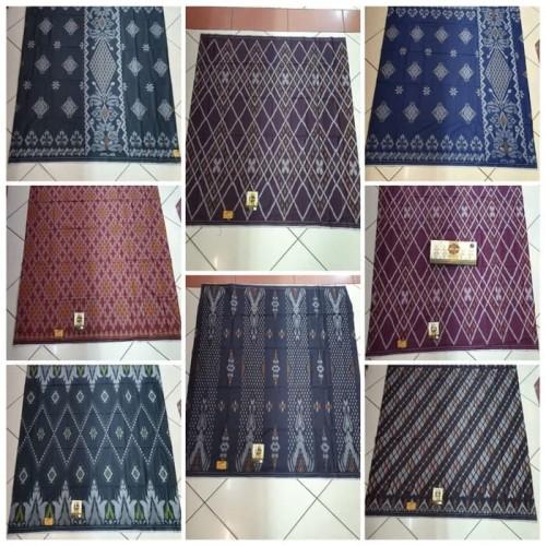 Foto Produk sarung atlas motif kembang dari arta azra