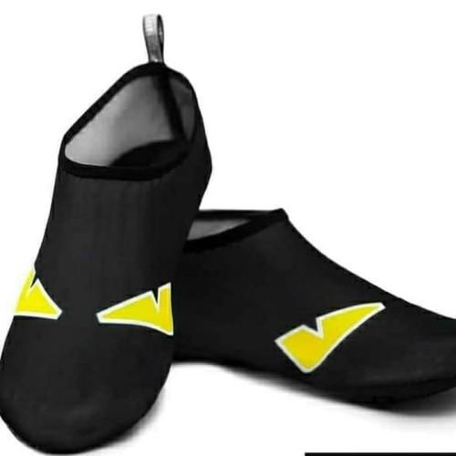 Foto Produk Aqua / Water Shoes / Sepatu Slip On Pantai/Snorkling/Renang Dengan Sol dari Yoi. store