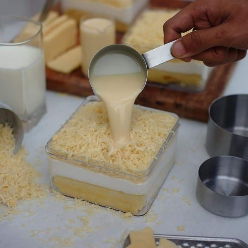 Foto Produk milk bath cake bittersweet by najla dari ciasweetcake