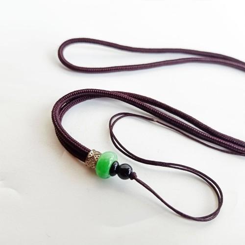 Foto Produk Kalung Tali Benang Nylon Bandul Giok - Vee Kalung Pria Wanita dari Vee Jewelry