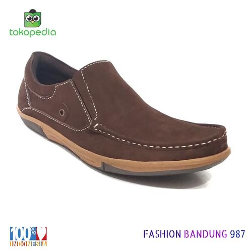 Foto Produk SEPATU KASUAL PRIA SIMPEL KULIT ASLI WARNA COKLAT SLIP ON dari Fashion Bandung 987