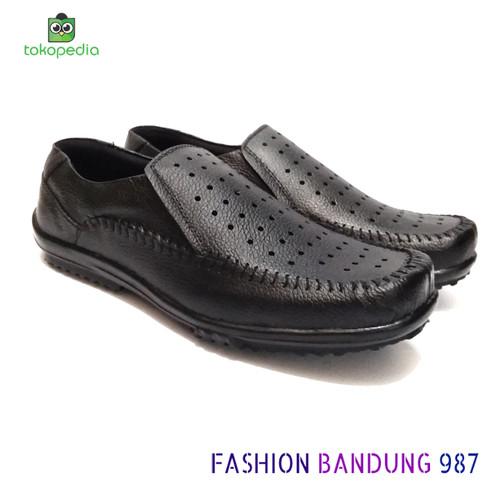Foto Produk sepatu santai buat tua maupun muda sepatu slip on kulit asli warna - 41 dari Fashion Bandung 987