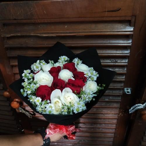 Foto Produk buket bunga rose mix/kado/valentine/ultah/wisuda dari anjani anisa florist