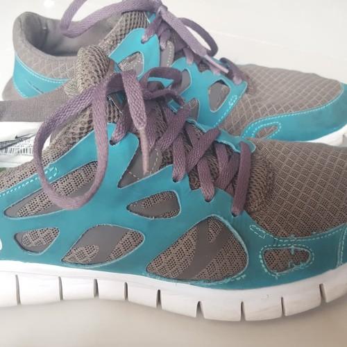 Sepatu Running Shoes - Nike Free Run 2