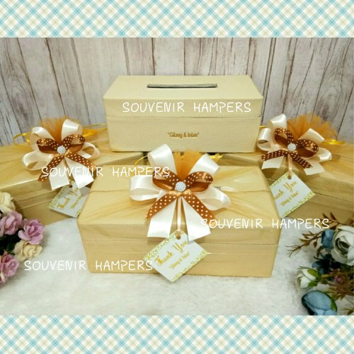 Foto Produk kotak tissue#kotak tissue custom#kotak kulit#hampers#wedding gift dari Chloe boetik