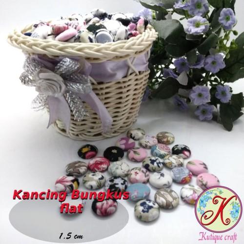 Foto Produk Kancing Bungkus Flat 1,5cm Motif per 100 pcs dari Kutique Craft