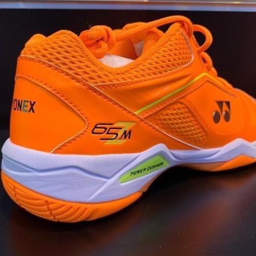 Foto Produk Sepatu Yonex SHB 65ZM Bright Orange dari Lee Smash Sport