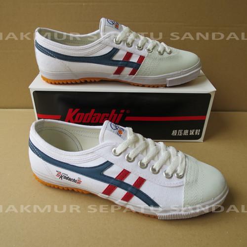 Foto Produk Sepatu Capung - Kodachi 8172 - Putih lis Navy Merah - 40 dari Makmur Sepatu Sandal