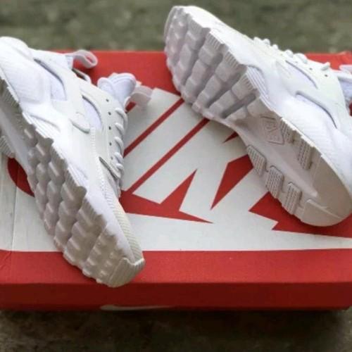 Jual Sepatu Nike Huarache all white premium sepatu sneakers 18 - Kab. Bekasi - Tanzil Shop | Tokopedia