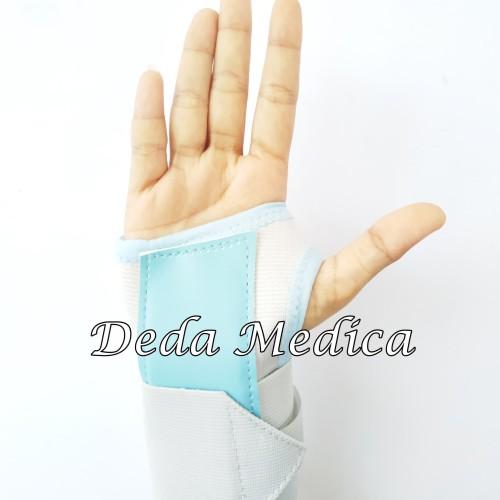 Foto Produk Deker Pergelangan Tangan Wrist Brace 42008 Wellcare L/R dari Deda Medica