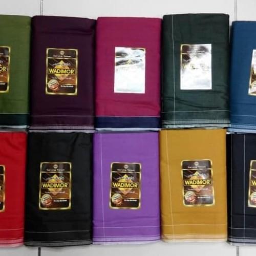 Foto Produk Termurah Sarung Tenun Wadimor Polos Warna , Hitam Dan Putih Promo dari Ridwann acc