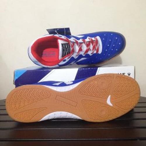 Foto Produk Sepatu Futsal Kelme Feline Evo Blue White 55818900 Original BNIB dari nikitasameliastore
