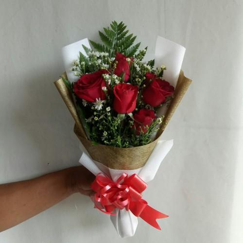 Foto Produk Bunga bucket wisuda hand bouquet hadiah ulang tahun bunga mawar fresh dari Freshcut Flower