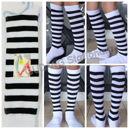 Foto Produk Kaos Kaki Hi Sock Fashion Salur Hitam Putih dari Gudang Stationary