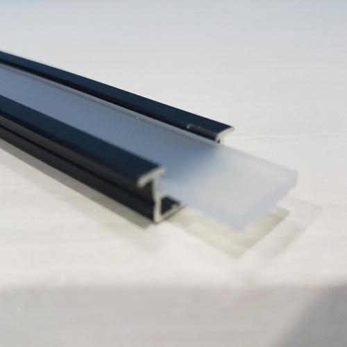 Foto Produk Lis LED List Rel Rumah Lampu LED Strip Alumunium Acrylic Cover HITAM dari Natz