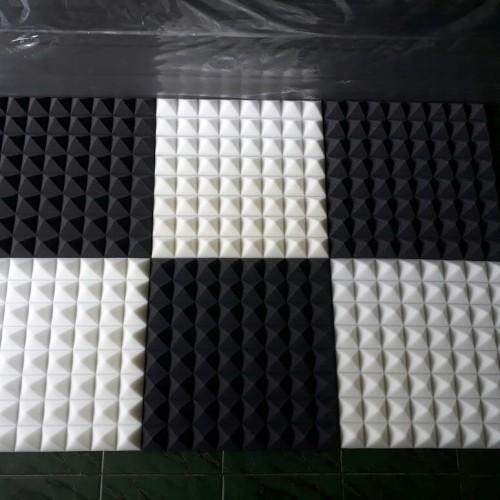 Foto Produk busa peredam pyramid 52x52x6cm dari BJ FOAM