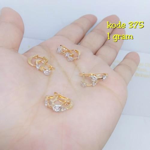 Foto Produk Anting Jepit emas 375 berat 1 gram dari TokoEmasFamily