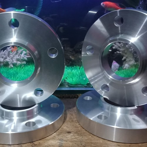 Foto Produk spacer nok bmw 5x120~2,5cm dari Nadiya Center Ring
