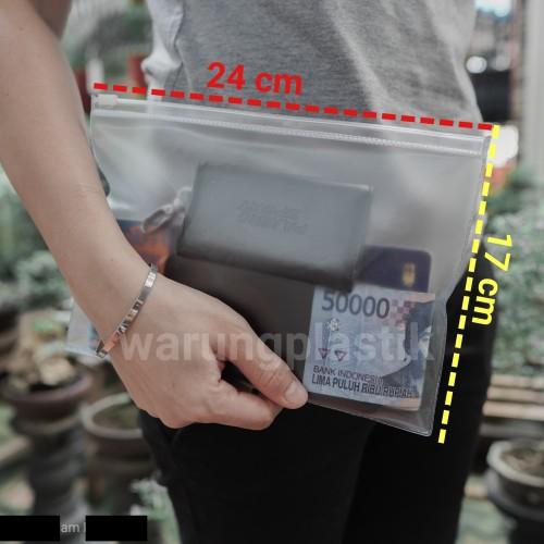 Foto Produk Map Plastik / Zipper Bag A5 / Tempat Pensil - Buram dari WarungPlastik