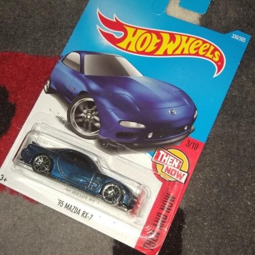 Foto Produk hot wheels mazda rx7 - Biru dari FAST-Store