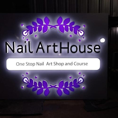 Foto Produk Huruf timbul nama salon kecantikan bahan akrilik dari Huruf timbul Jkt