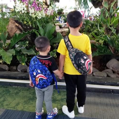 Foto Produk Kids BAPE crossbosy bag tas selempang anak cowo boys - Bape Blue dari Tinkiwinki Babytoys