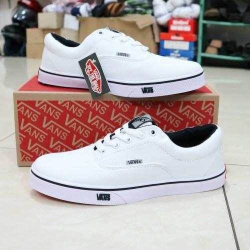 Foto Produk Sepatu vans authentic full putih dari KuyindShop